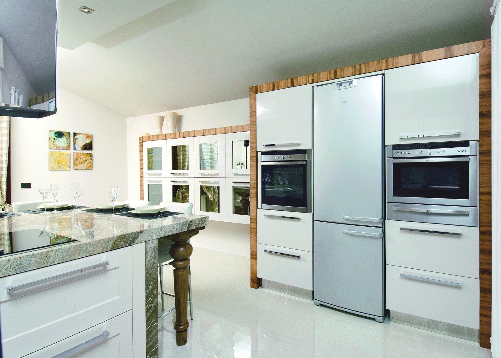 Cucine moderne in frassino con piano in marmo zuliani arredamenti